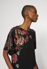 Desigual - GABI - T-shirts med print - black - 3