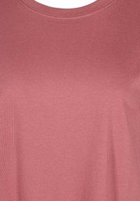 Zizzi - Basic T-shirt - deco rose - 4