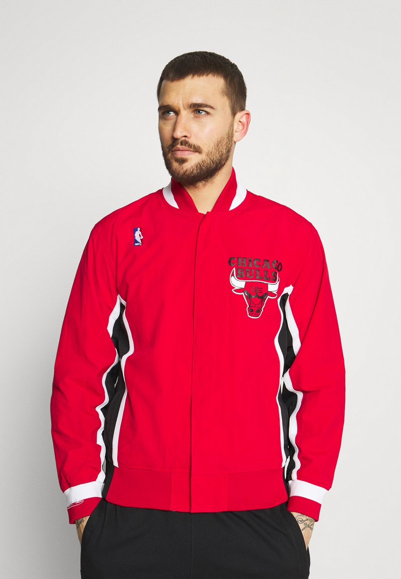 Mitchell & Ness - NBA CHICAGO BULLS AUTHENTIC WARM UP JACKET - Club wear - red