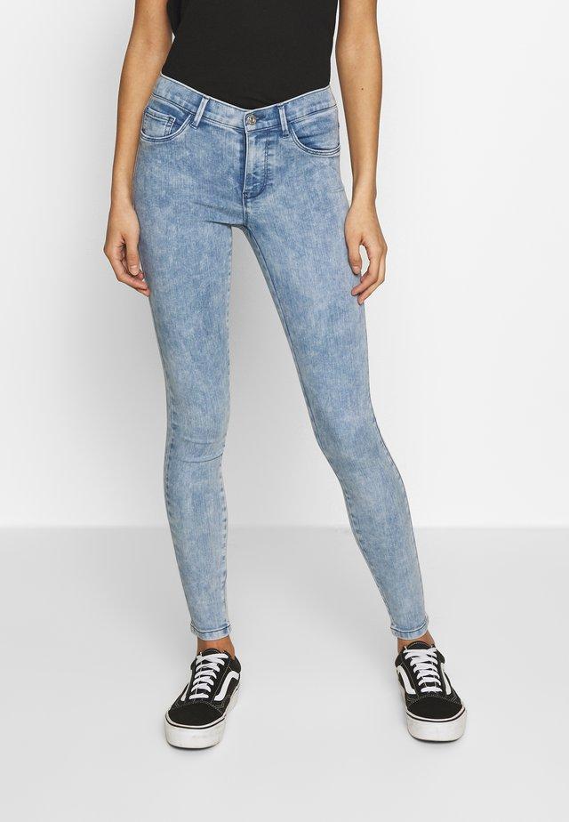 ONLRAIN ANKLE ACID WASH - Jeans Skinny Fit - light blue denim