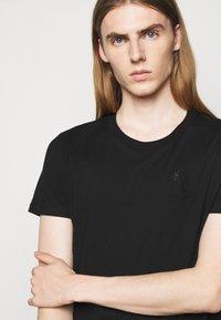 Iro - T-shirt imprimé - black - 4