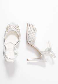 Menbur - High heeled sandals - ivory - 3