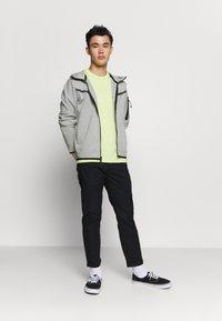Nike Sportswear - Felpa con zip - dk grey heather/black - 1