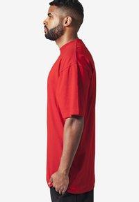 Urban Classics - T-shirt - bas - red - 2