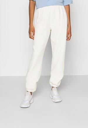 PANTS ORIGINALS ADICOLOR - Pantalon de survêtement - white