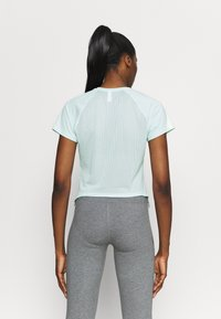 Under Armour - SPORT HI LO  - Basic T-shirt - seaglass blue - 2