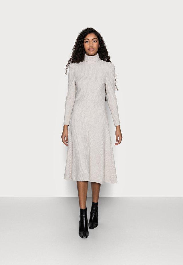 ONLNELLA ROLL NECK DRESS - Gebreide jurk - pumice stone melange