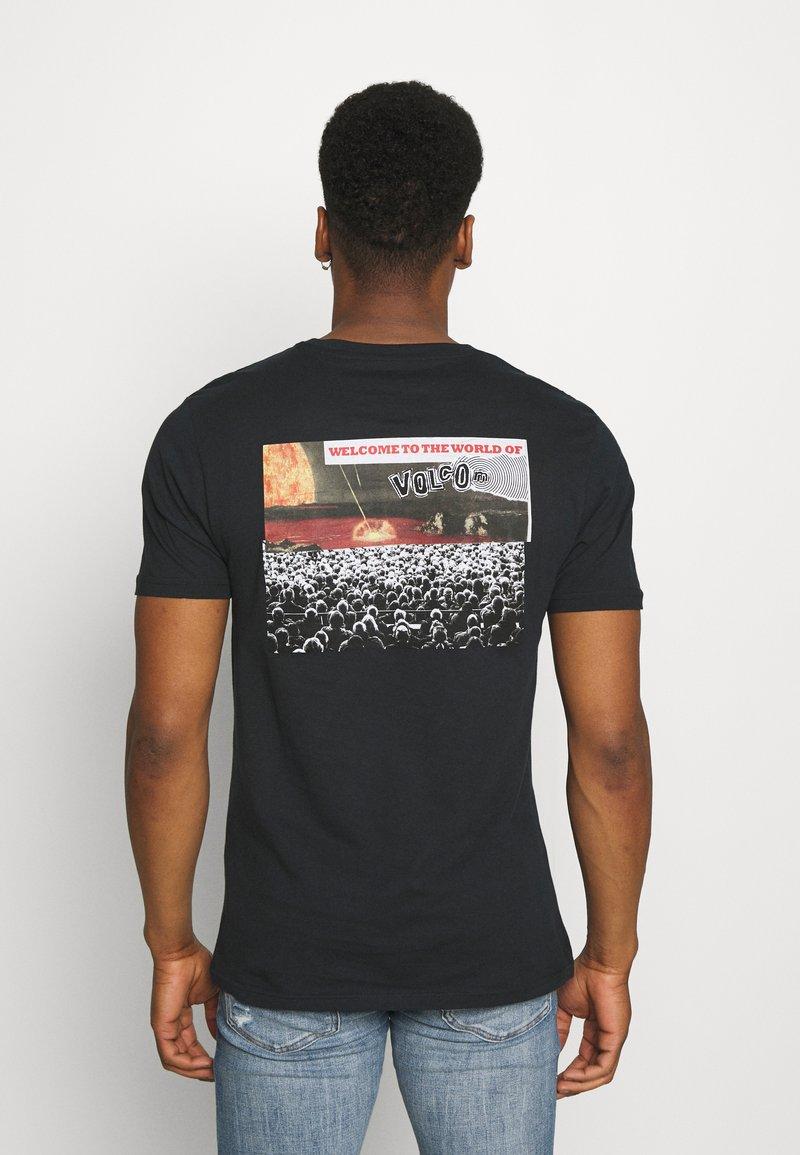 Volcom - WORLDS COLLIDE BSC SS - Print T-shirt - black