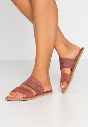 VMMEVA  - Pantofle - marsala