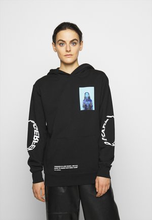 SIOBHAN BELL OVERSIZED HOODIE - Jersey con capucha - black