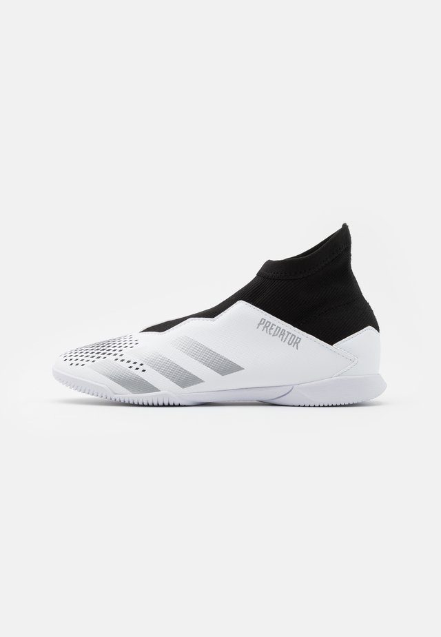 PREDATOR 20.3 FOOTBALL SHOES INDOOR UNISEX - Fotballsko innendørs - footwear white/silver metallic/core black