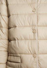 Cream - SOFIACR QUILTED JACKET - Light jacket - desert - 5