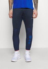 Nike Performance - ELITE PANT - Pantalon de survêtement - midnight navy/reflective silver - 0