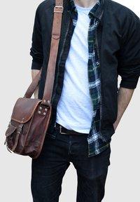 Gusti Leder - ALEX  - Across body bag - brown - 0