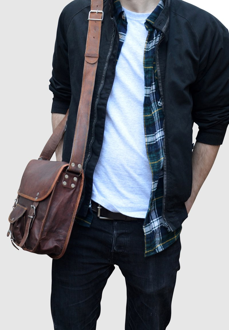 Gusti Leder - ALEX  - Across body bag - brown