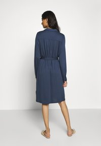Moss Copenhagen - MELISSA SHIRT DRESS - Jersey dress - sky captain - 2