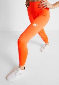 HIIT - BONNIE CORE LEGGING - Collants - orange - 3
