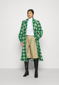 Résumé - ALINA COAT - Classic coat - sand - 1