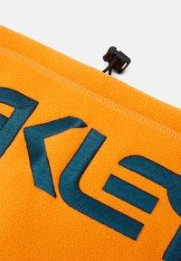Oakley - NECK GAITER - Hals- og hodeplagg - bold orange - 4