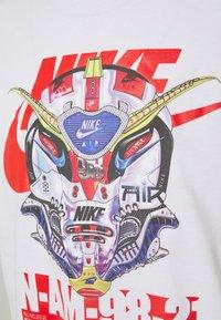 Nike Sportswear - TEE MECH AIR MASK - Print T-shirt - white - 2
