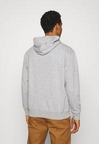 Mennace - ESSENTIAL REGULAR HOODIE UNISEX - Sweatshirt - grey marl - 2
