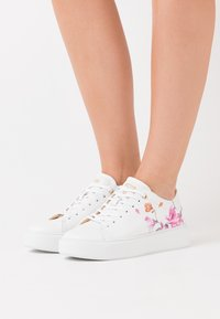 Ted Baker - PIIXIER - Joggesko - white - 0