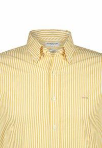 McGregor - REGULAR FIT - Shirt - honey gold - 2