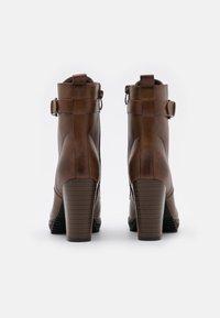 Anna Field - Ankelboots med høye hæler - cognac - 3