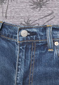 Levi's® - 405 STANDARD  - Denim shorts - punch line real calling short - 4