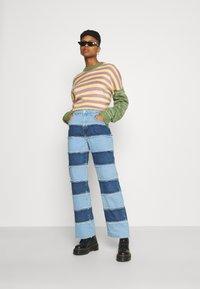 The Ragged Priest - STRIPE PANEL DAD  - Jeans straight leg - blue - 1