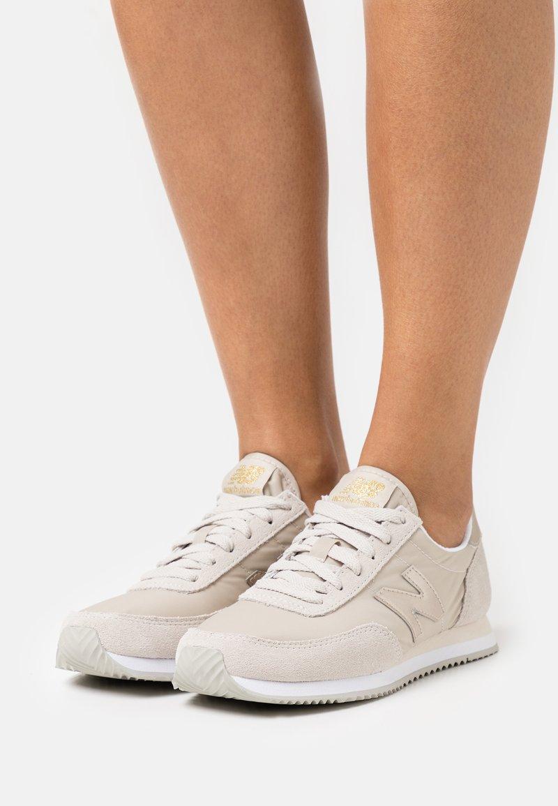 New Balance - WL720 - Sneakers - beige