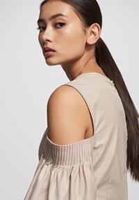 KARL LAGERFELD - Maxi dress - sandstone - 4