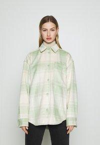 Monki - Skjorte - green - 0