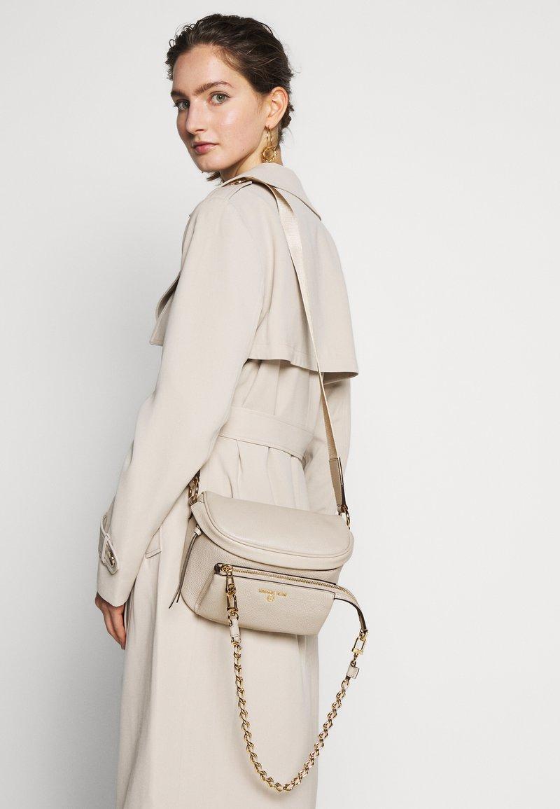 MICHAEL Michael Kors - SLING - Across body bag - light sand