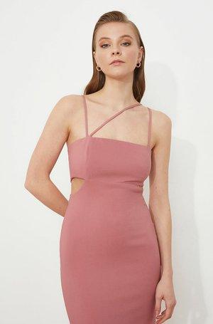 Apģērbs svinīgiem gadījumiem - pink