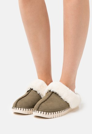 Slippers - deep olive