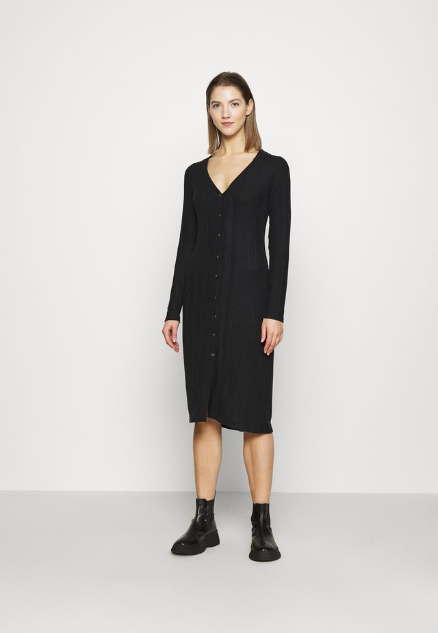 COZY MIDI DRESS - Shift dress - black
