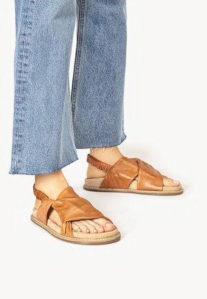Sandals - coconut ccn