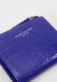 Kurt Geiger London - CROC MINI PURSE - Portefeuille - purple - 2