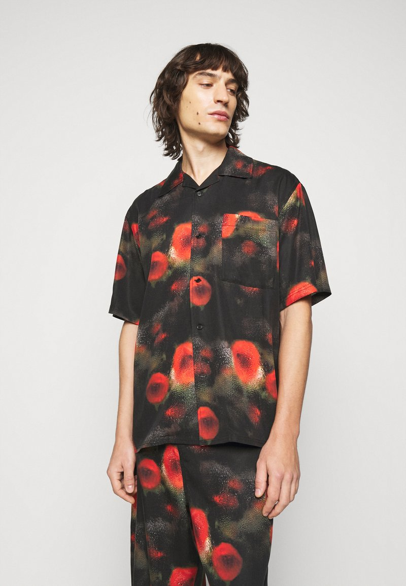 Henrik Vibskov - THE ARTIST - Shirt - black / multi-coloured