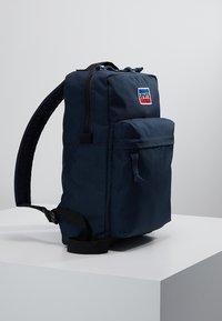 Levi's® - MINI LEVI'S® L PACK - Reppu - navy - 3