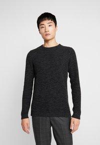 Selected Homme - SHXNEWVINCEBUBBLE CREW NECK - Stickad tröja - antracit/black - 0