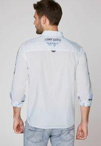 Camp David - FIL À FIL  - Shirt - opticwhite - 2