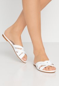 Office Wide Fit - SAFFRON WIDE FIT - Mules - white - 0