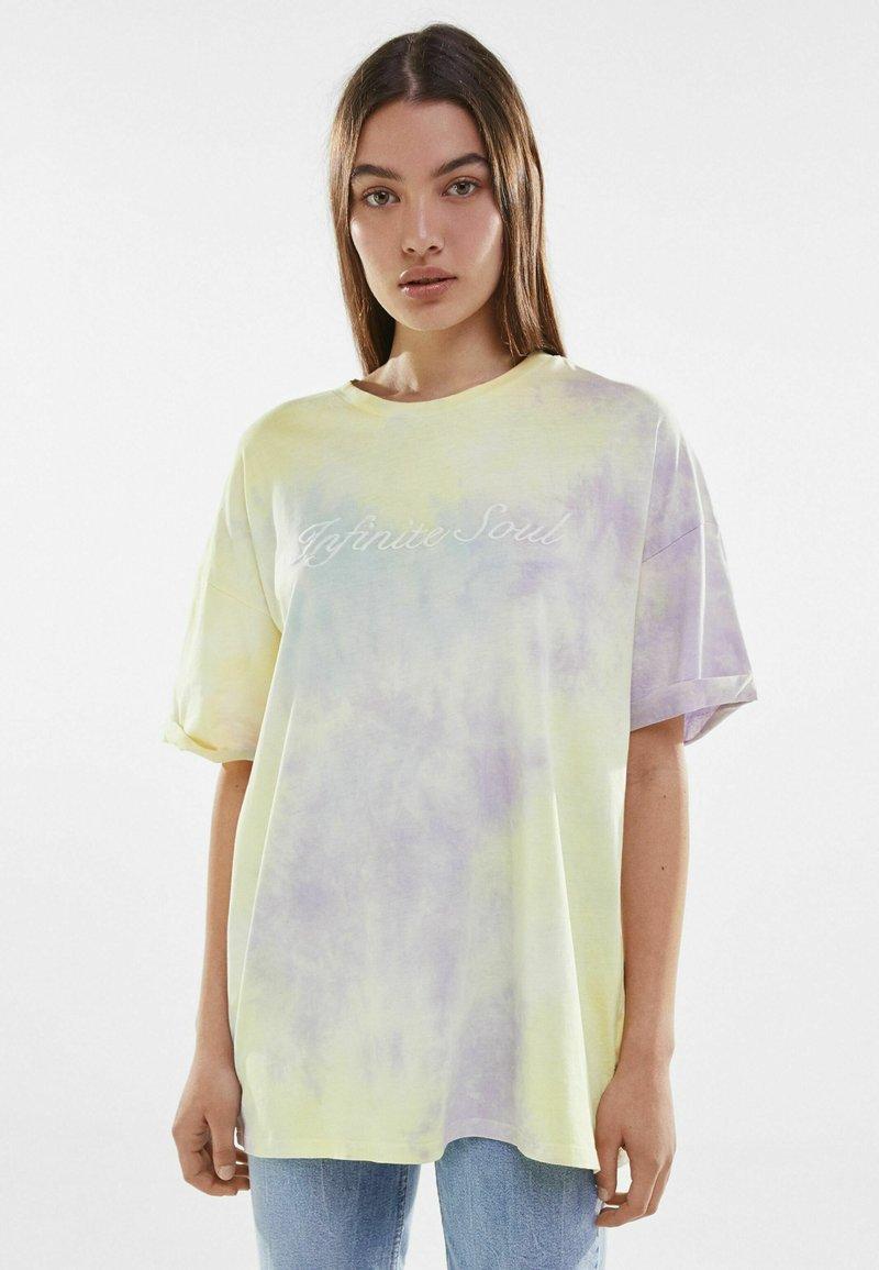 Bershka - Print T-shirt - purple