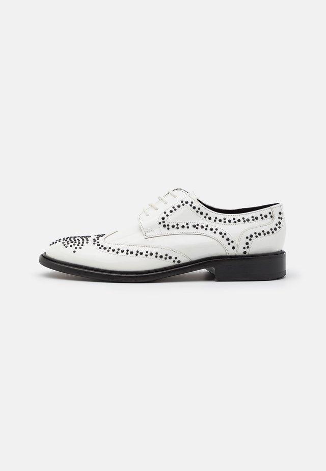 SALLY  - Zapatos de vestir - white