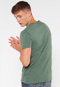Samsøe Samsøe - LASSEN  - Basic T-shirt - duck green - 2