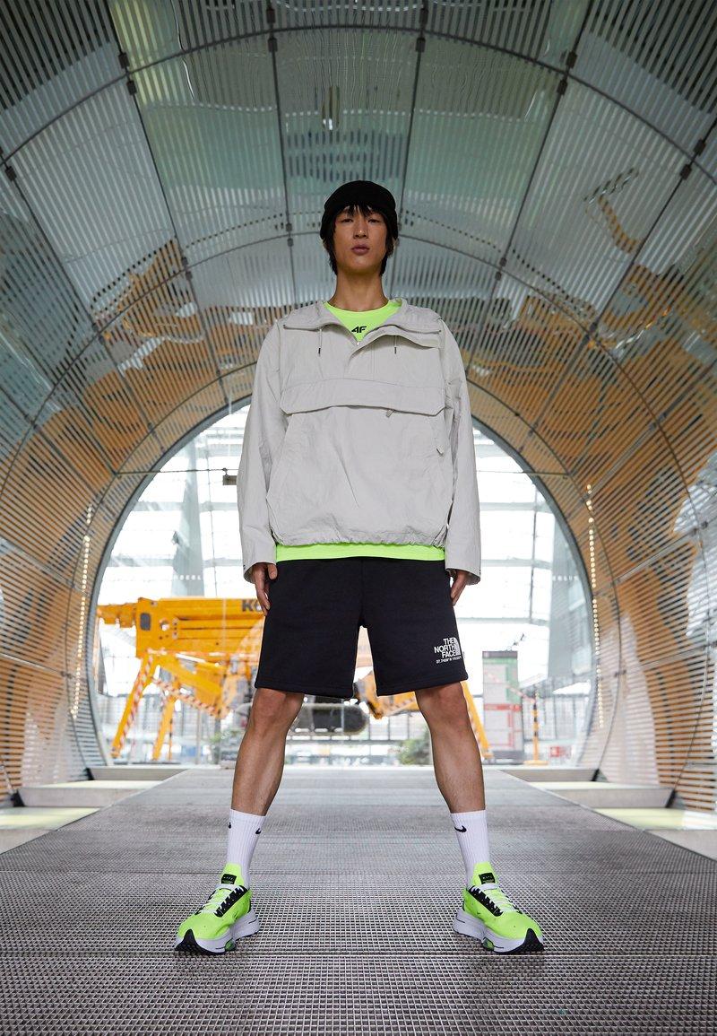Nike Sportswear - AIR ZOOM TYPE - Trainers - volt/black/white