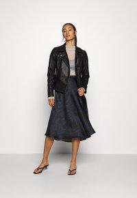 Soaked in Luxury - SLEDESSA SKIRT - A-line skirt - shadow/dark blue - 1