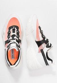 Steve Madden - ARIS - Sneakers laag - white/multicolor - 3